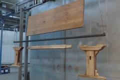 Tavolo in legno sverniciato tramite la microgranigliatura