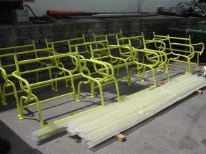 Struttura panchine per giardini comunali con giallo personalizzato.